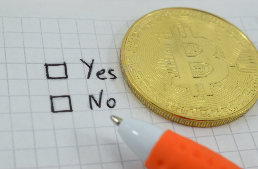Tax Expert: IRS Crypto Question 'Unconstitutional,' Card Points, Flyer Miles Could Be Virtual Currency